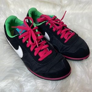 Nike Low trainers women's tennis shoes 8.5